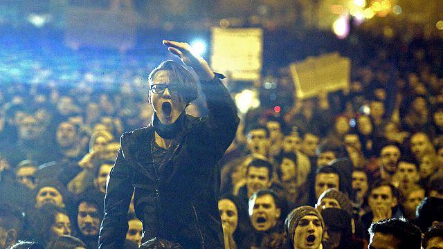 Rumenler temiz siyaset için yürüdü