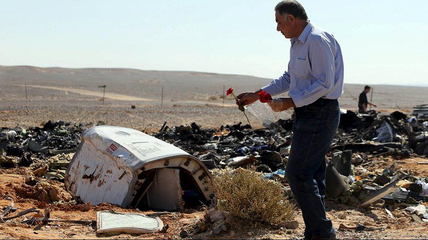 Estados Unidos e Grã-Bretanha consideram que explosivos podem ter provocado a queda do avião russo