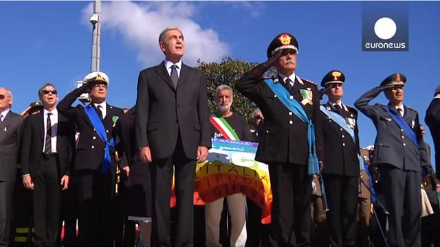 Italy mayor takes colourful stand at WWI memorial ceremony