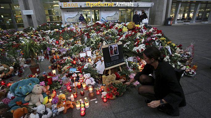 تحطم الطائرة الروسية يُثيرالكثيرمن التساؤلات لدى بريطانيا والولايات المتحدة وروسيا