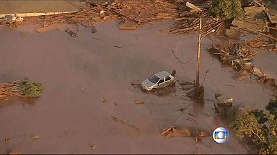 Brasile: fiume di fango, decine di vittime