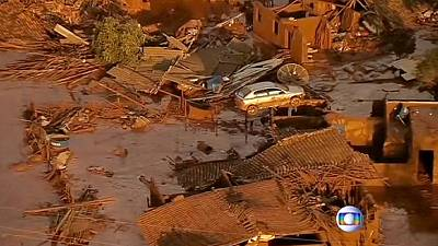 Al menos 17 muertos tras romperse la barrera de una mina en Brasil
