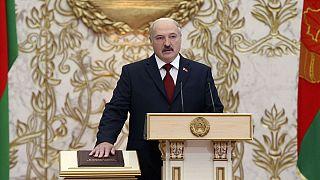 الرئيس البيلاروسي الكسندر لوكاشينكو يؤدى اليمين الدستورية