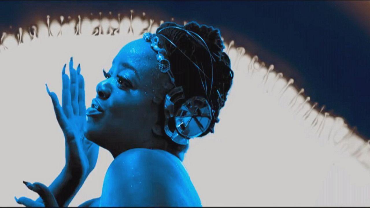 أول ألبوم للمطربة البريطانية إيسكا  يحصل على جائزة ميركوري