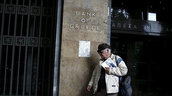Atenas aprueba nuevas reformas pero se deja algunos flecos