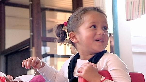 Kaybolan göçmen kızın ailesinin bulunması için kampanya başlatıldı