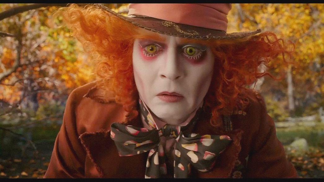 """Esce il trailer di """"Alice attraverso lo specchio"""", il sequel """"Alice nel Paese delle Meraviglie"""" con Johnny Deep nel ruolo del Cappellaio Matto"""