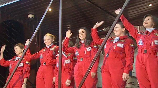Espaço: Seis mulheres de cabeça na lua