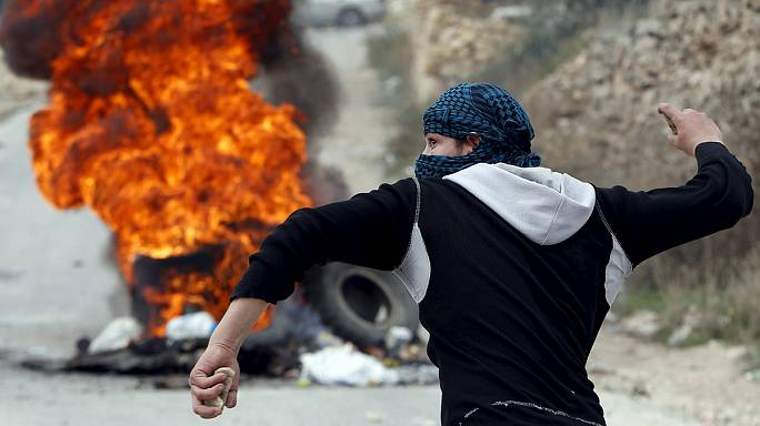 مقتل فلسطينيين واصابة 3 اسرائيليين مع تجدد المواجهات في الاراضي الفلسطينية