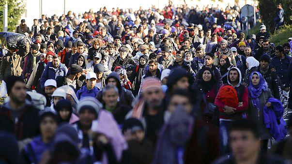 Slovenya'ya acil mülteci yardımı