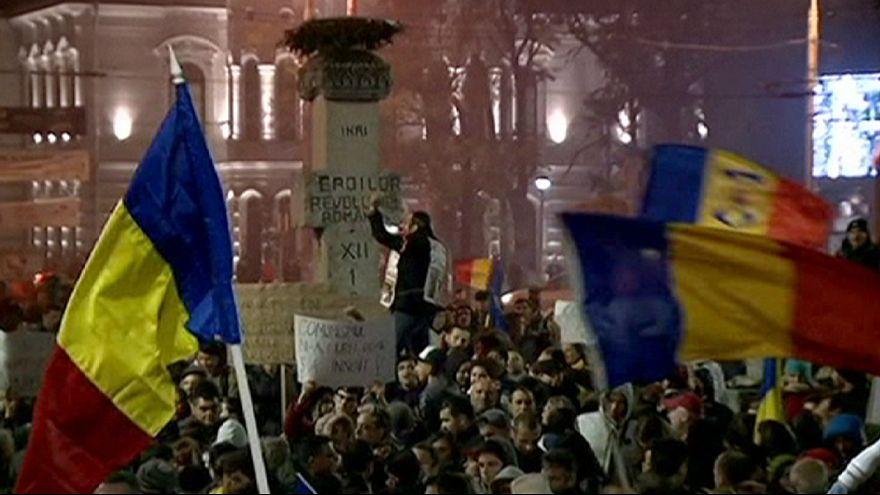 """Las calles de Bucarest no cesan de protestar contra """"una clase política corrupta"""""""