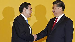 Историческая встреча лидеров КНР и Тайваня вызвала протесты в Тайбэе
