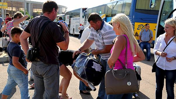 Российские туристы покидают Египет без багажа из-за опасений теракта