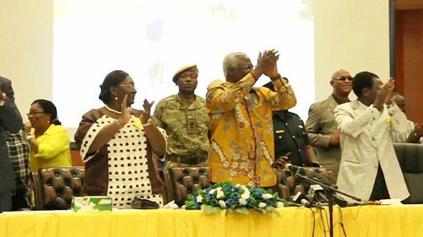 Sierra Leone celebrates end of Ebola outbreak