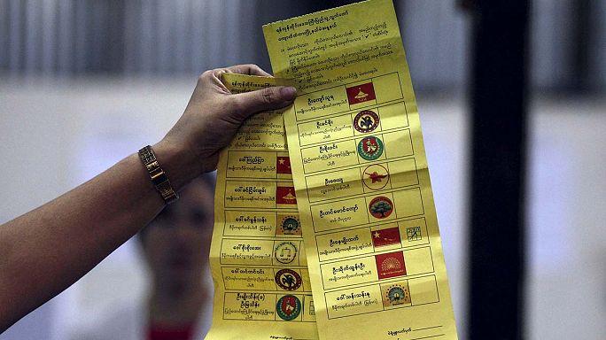 Myanmar halkı 25 yılın ardından düzenlenen ilk özgür seçimlere yoğun ilgi gösterdi