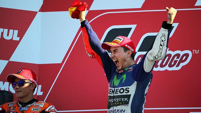 MotoGP: Lorenzo drámai végjátékban lehajrázta Rossit