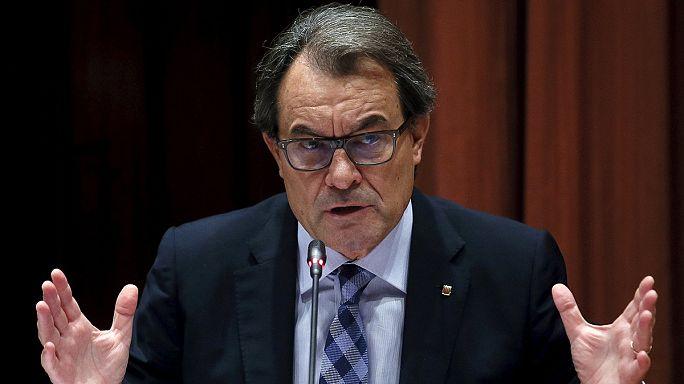 Katalonya Parlamentosu bağımsızlık tasarısını kabul etti