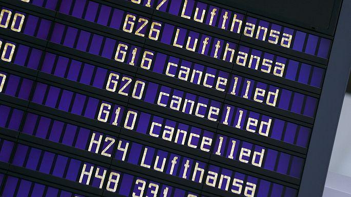 """Забастовка бортпроводников """"Люфтганзы"""": отменены около 1000 рейсов"""