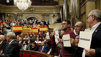 Spagna: parlamento catalano vota per l'indipendenza, Rajoy annuncia battaglia