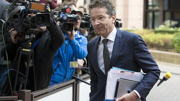 Euro Bölgesi Yunanistan'a verilecek 2 milyar euro krediyi serbest bırakmadı