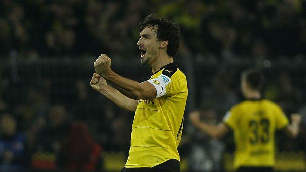 Korner: Borussia Schalke'yi ezdi, Ronaldo şarkıcılığa soyundu