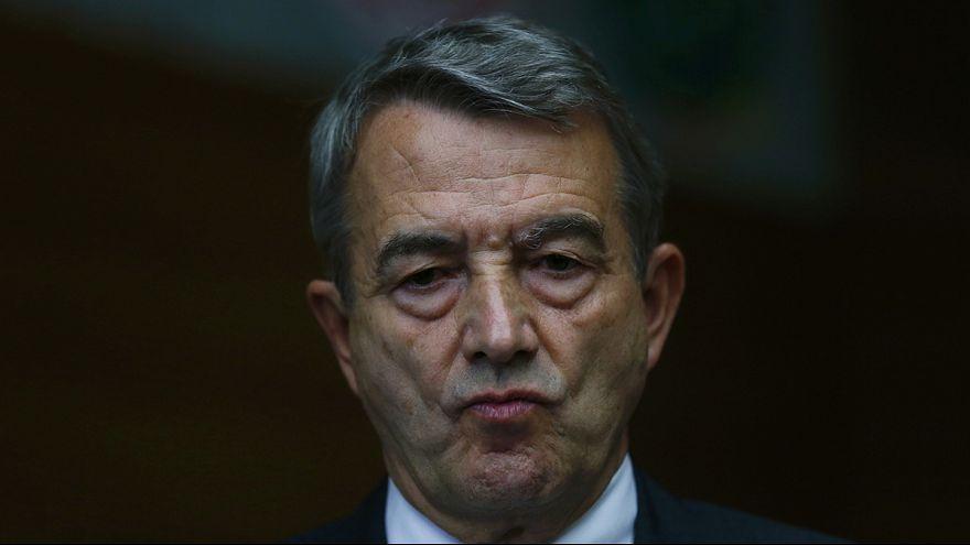 Rücktritt: DFB-Präsident Niersbach stürzt über WM-Zahlung