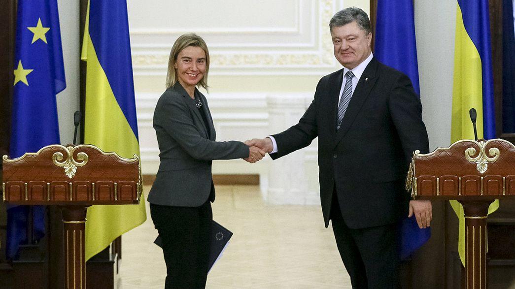 Ucrânia: UE diz que Kiev precisa de acelerar luta anticorrupção