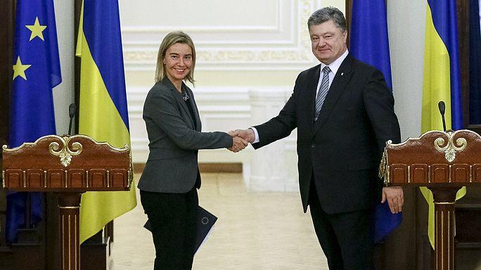 Ucraina: la Mogherini a Kiev alla vigilia di una cruciale votazione per una legge anti-corruzione