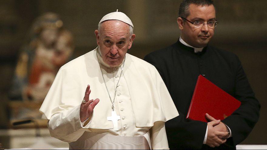 البابا يستنكر استغلال المهاجرين وإبقاءهم في ظروف معيشية غير انسانية
