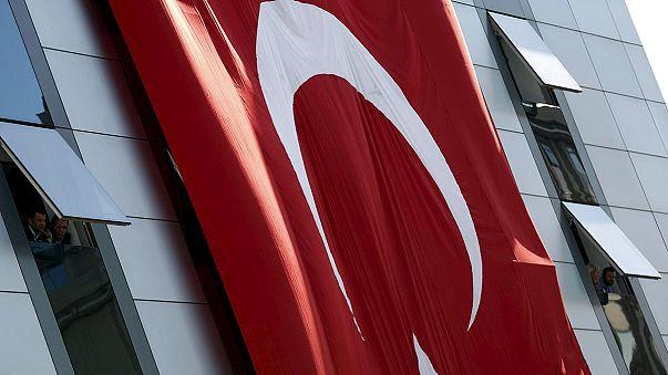 La Comisión Europea ve retrocesos en el Estado de derecho en Turquía