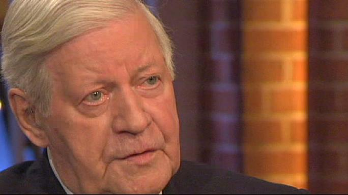 Helmut Schmidt, former West German chancellor, dies at 96