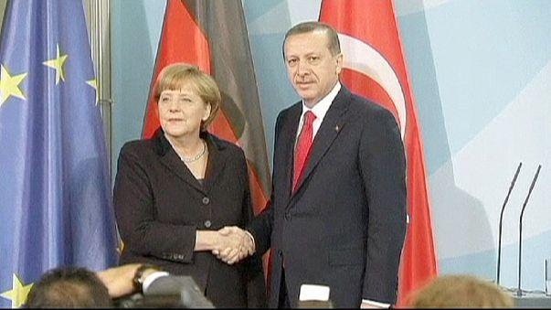 Atatürk'ü anma yıl dönümününde AB üyelik süreci gündeme getirildi