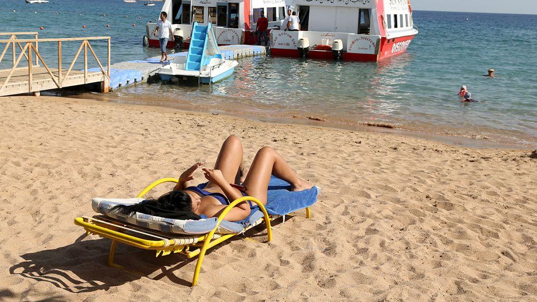 Egitto: proseguono i rimpatri dei turisti, quotidiano lancia iniziativa 'Io andrò a Sharm'