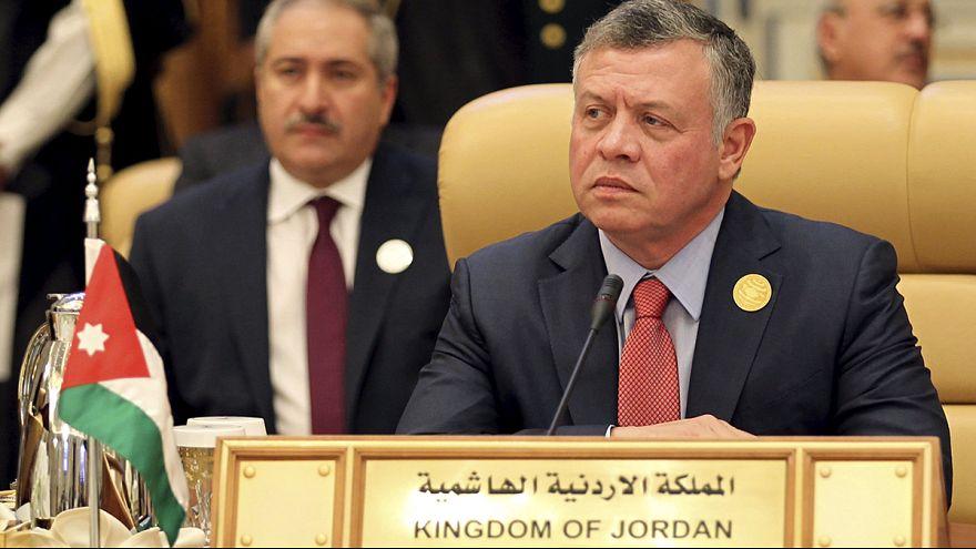 """""""Esta é uma (...) terceira guerra mundial mas por outros meios"""", Abdullah II"""