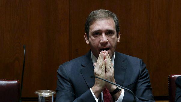 الكتلة النيابية اليسارية في البرلمان البرتغالي تُسقِط الحكومة اليمينية