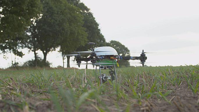 طائرات بدون طيار لتسهيل عمل المزارعين