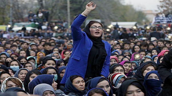 مشکلات دولت وحدت ملی افغانستان برای برقراری امنیت چیست؟