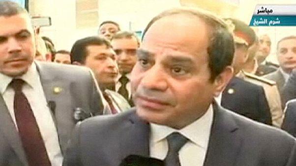 Il presidente egiziano al-Sisi a Sharm el-Sheikh dopo lo schianto dell'aereo russo