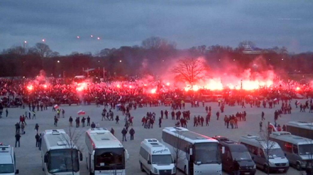 L'extrême-droite défile à Varsovie pour la fête nationale