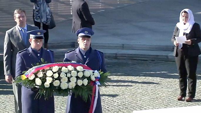 Le Premier ministre serbe revient à Srebrenica avec une aide de 5 millions d'euros