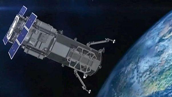 Műholdak figyelnék az utasszállító repülőgépeket
