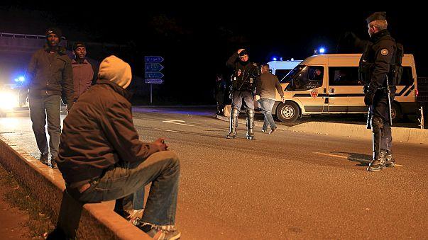 Feszült éjszakák sorozata Calais-nál