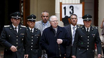 Padre chileno nega acusações de pedofilia