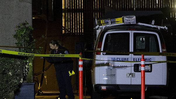 США: полицейские застрелили грабителя на крыше больницы
