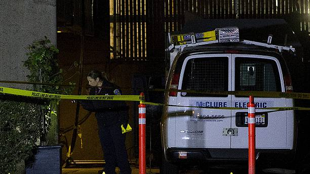 Police shoot gunman on top of a San Francisco roof top