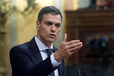 Spanish Workers\' Socialist Party (PSOE) leader Pedro Sanchez addresses lawmakers on Friday.