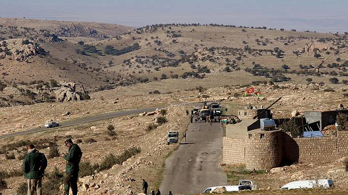 Kurdish fighters set to oust ISIL from Sinjar in northern Iraq