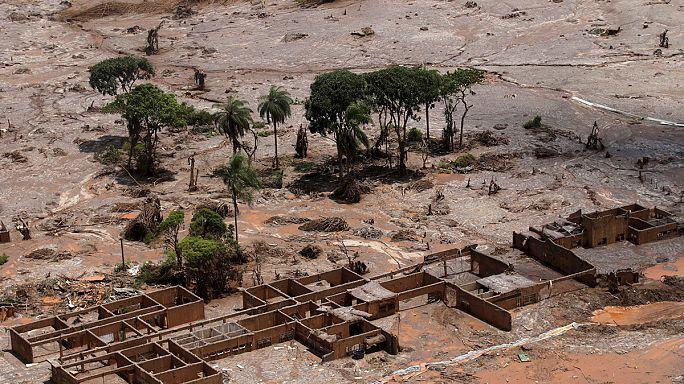 Nyolc halálos áldozata van a brazíliai iszapkatasztrófának, a kár 16 millió dollár