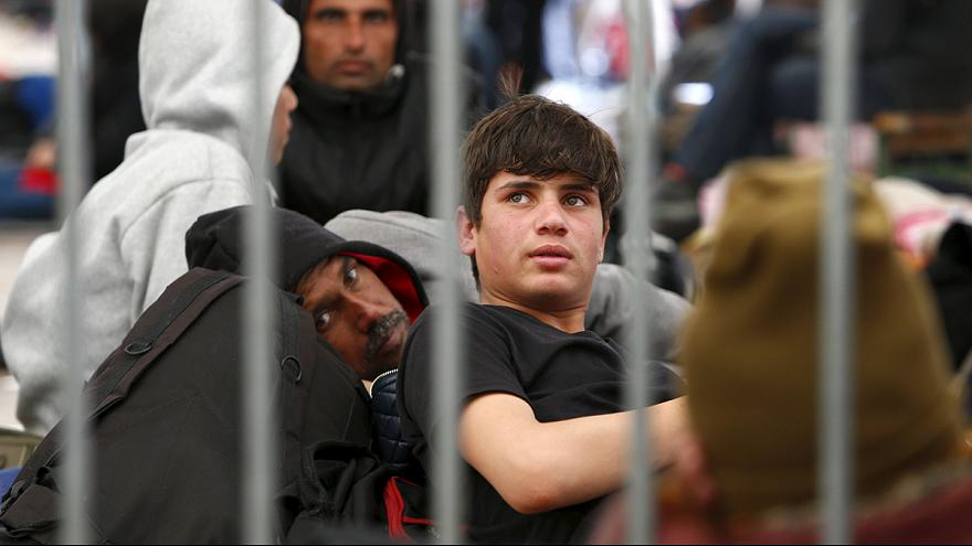 Austria y Hungría planean levantar nuevos muros contra los refugiados