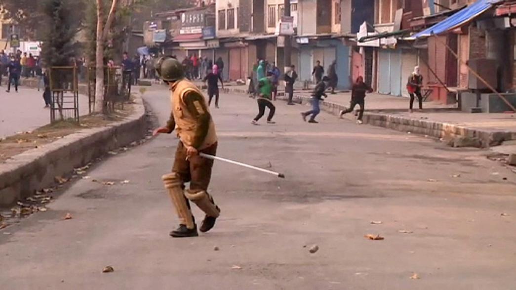 Kashmir: intense clashes between police and protesters
